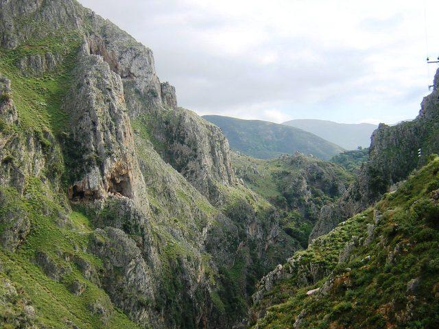 Ущелье Тополия